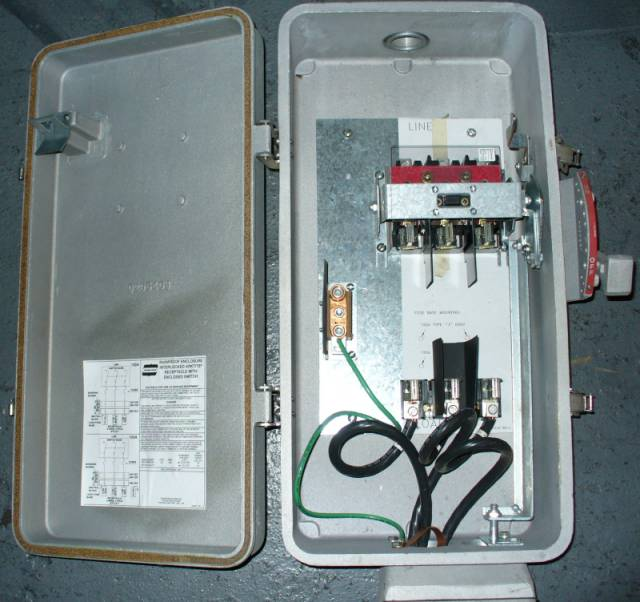 Click to see larger image - Crouse-Hinds 100 Amp WSR10352 Fusible Interlocked Arktite Receptacle