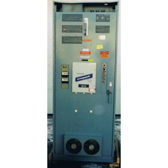 Square D OmegaPak Adjustable Frequency Controller, Class 8804, Type 3DFG4Y, 300 HP at 460 Volts