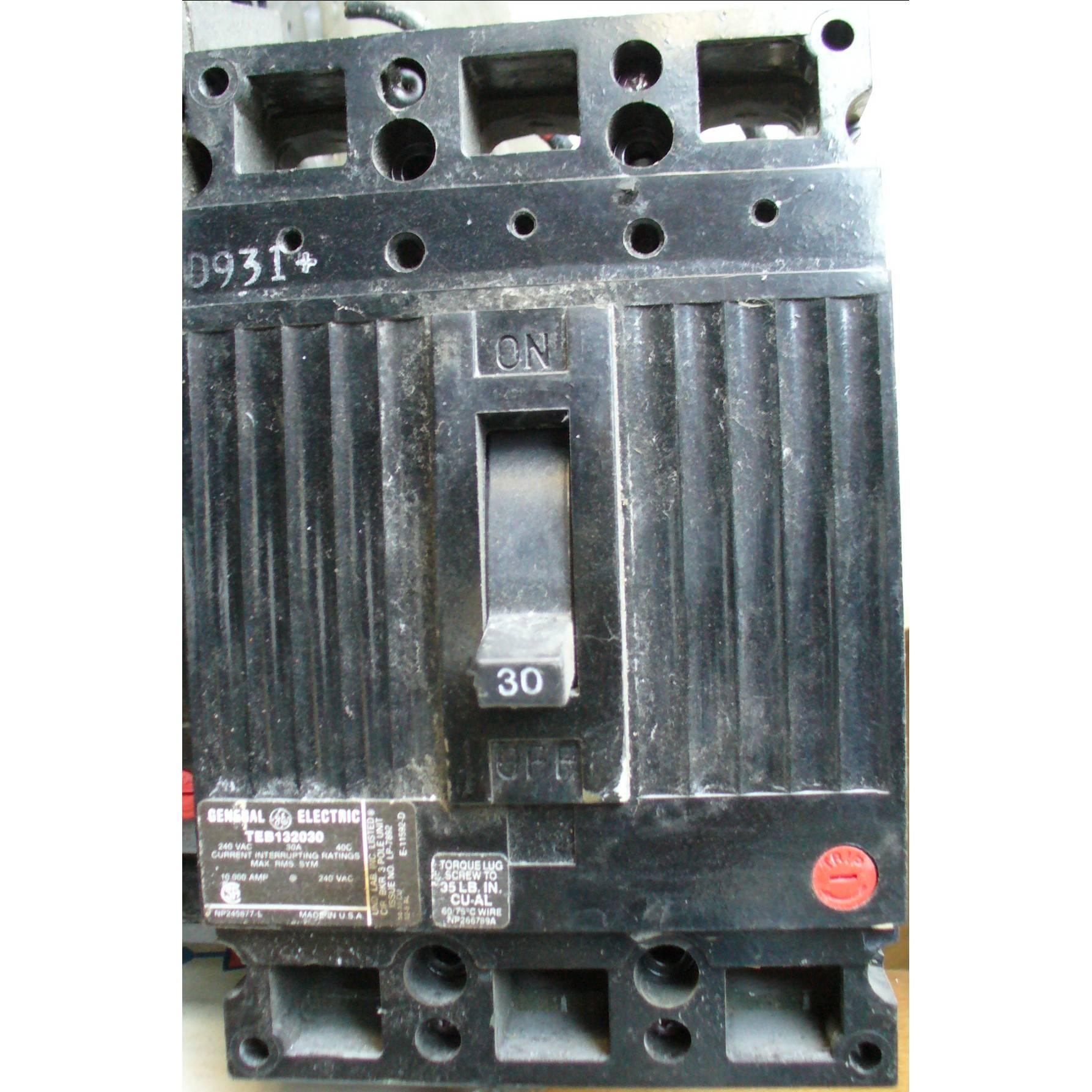 General Electric 30 Amp 240 VAC Molded Case Circuit Breaker TEB132030