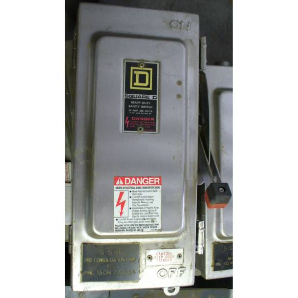 Square D 30 Amp Fusible Safety Switch H221DS