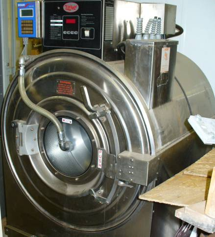 Click to see larger image - Uni-Mac Large Capacity Industrial Washing Machine